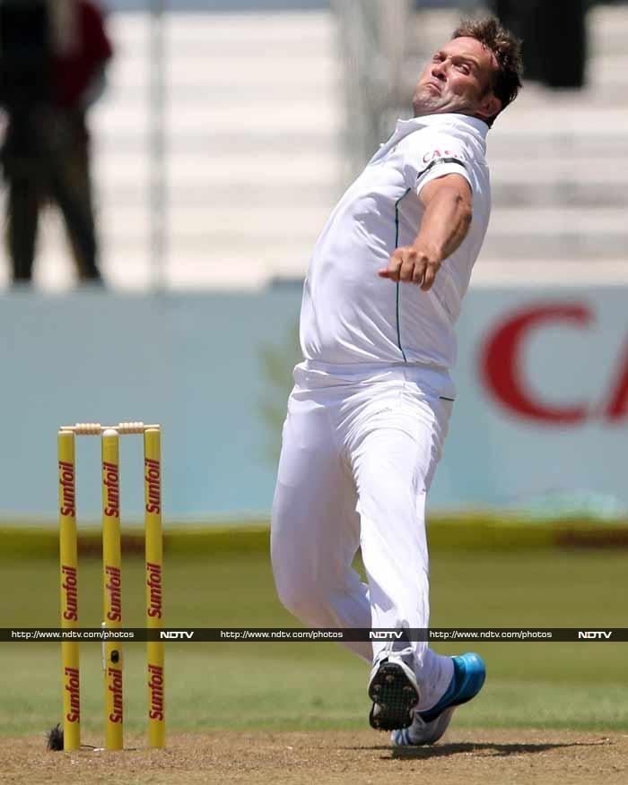Farewell Test: Standing ovation for Jacques Kallis at Kingsmead