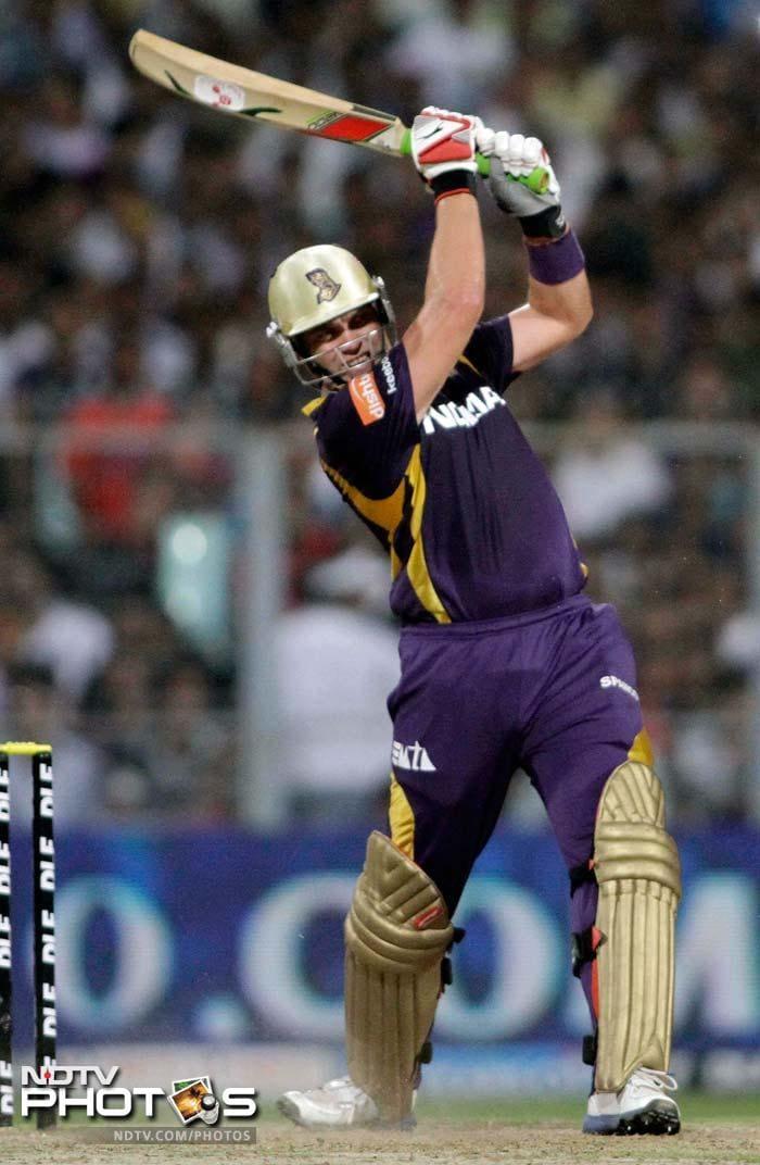 IPL 5: Gambhir stars as Kolkata maul Bangalore