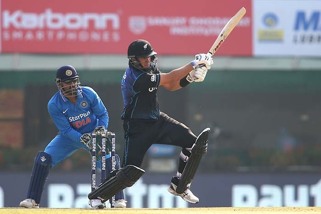 Dhoni, Kohli Give India 2-1 Lead in 5-Match Series