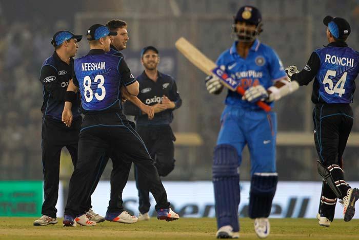 भारत ने फिर छुड़ाए कीवियों के छक्के, धोनी ने तोड़ा सचिन का रिकॉर्ड