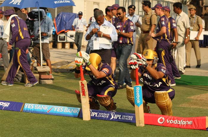 IPL 2013: Kolkata Knight Riders defeat Hyderabad