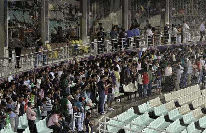 IPL 5: Rain forces Kolkata and Deccan to share points