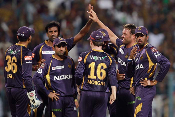 Kolkata keep hopes alive with 6-wicket win over Punjab