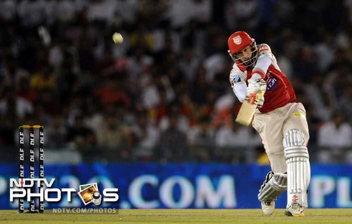 IPL 5: Gayle seals easy win for Bangalore