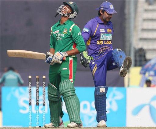 Sri Lanka win tri-series final