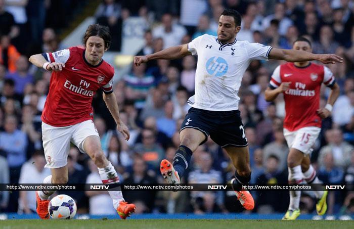 EPL: Liverpool blast past Man United, Arsenal sink Spurs