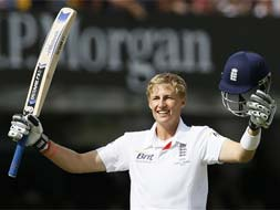 Photo : Second Ashes Test: Root powers England to massive lead on Day 3
