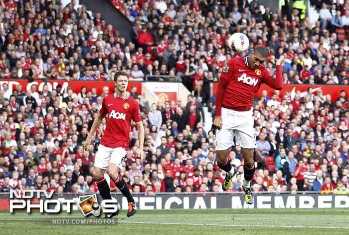 Manchester United thrash Chelsea 3-1