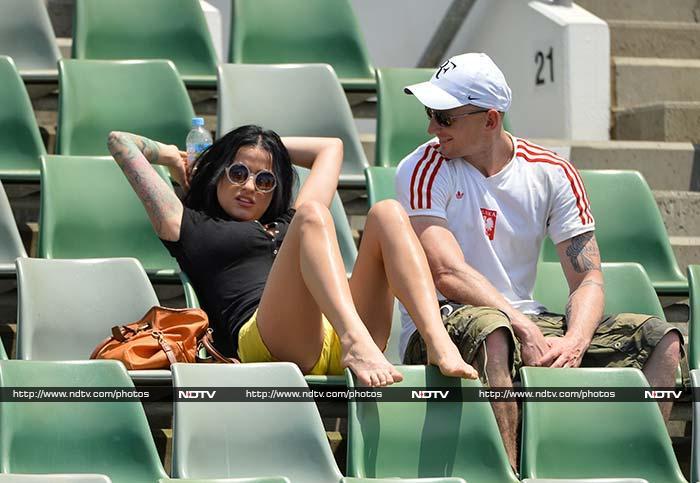Australian Open: The 'hot' fans Down Under, literally!