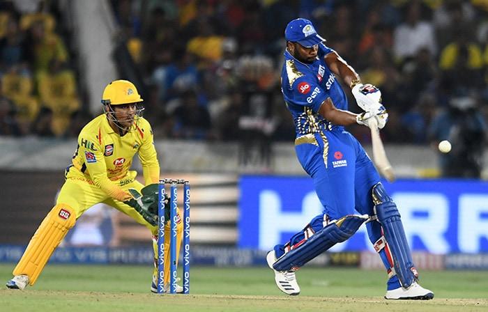 चेन्नई को हराकर मुंबई ने चौथी बार अपने नाम किया टी20 लीग का खिताब, देखें तस्वीरें...