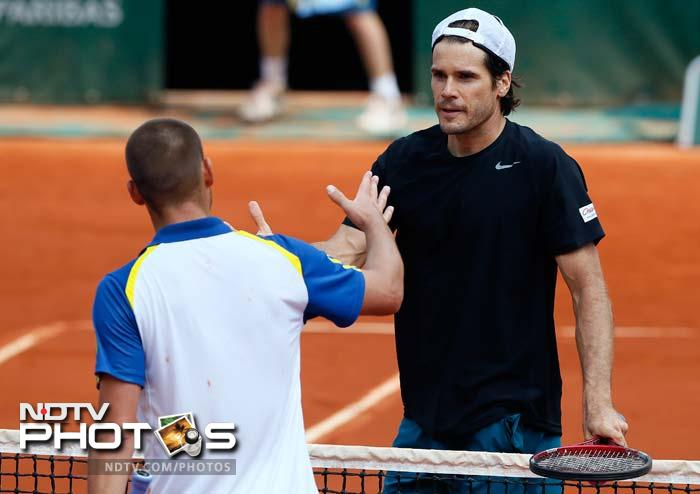 French Open: Mikhail Youzhny's racquet bears brunt of defeat!