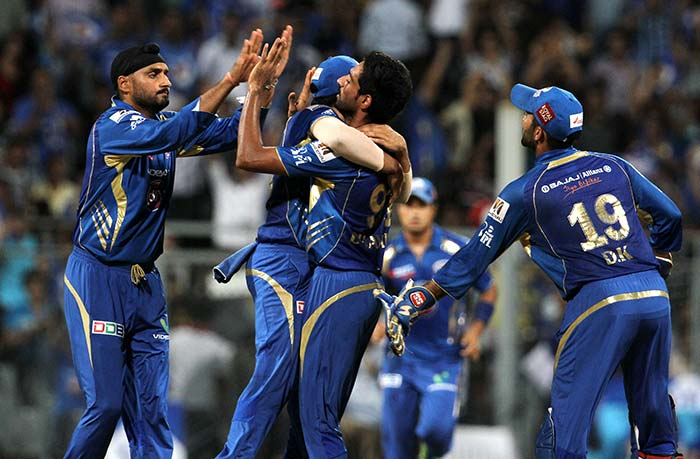 Mumbai back to the top with 14-run win against Rajasthan