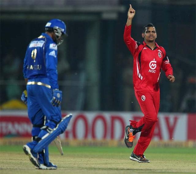 CLT20 2013: Dwayne Smith powers Mumbai Indians to the final
