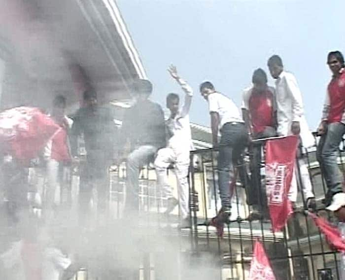 Kings XI supporters go on rampage