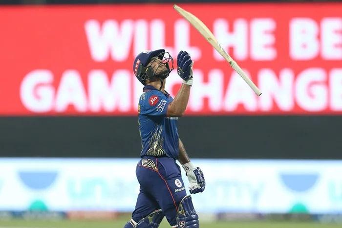 आईपीएल: मुंबई ने हैदराबद को 42 रन से हराया, प्ले ऑफ राउंड से हुई बाहर