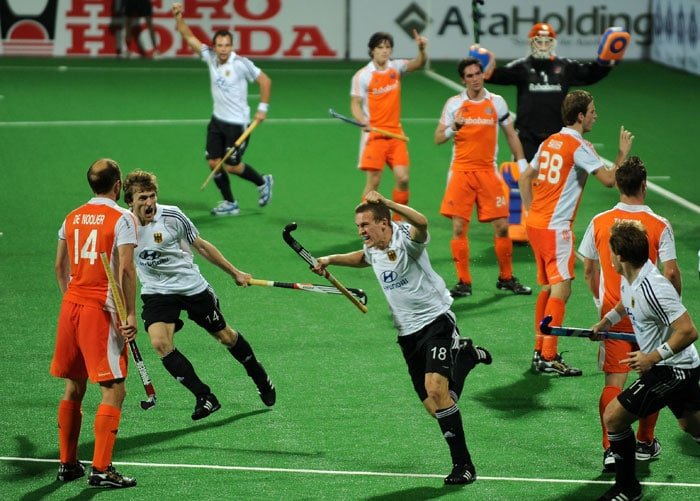 Netherlands draw 2-2 with Germany