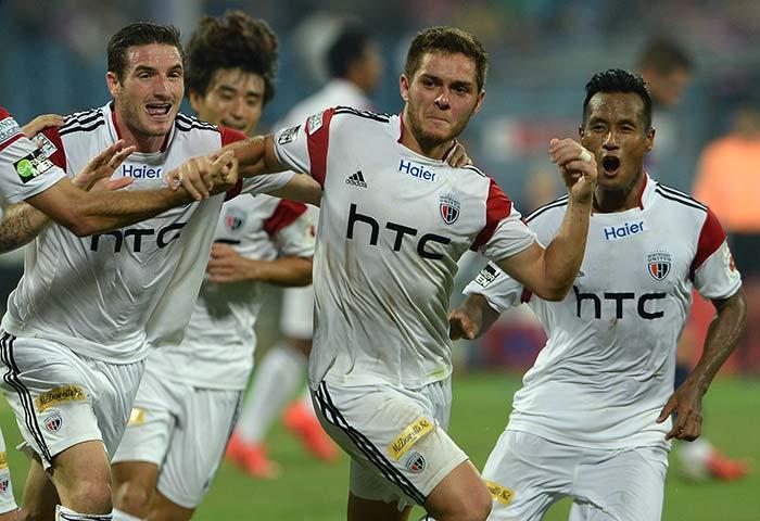 ISL: NorthEast United FC Stun 9-Man Mumbai City FC 2-0