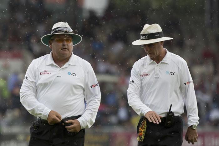 Old Trafford Test: Rain Curtails England