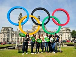 Photo : Olympic fever grips Londoners