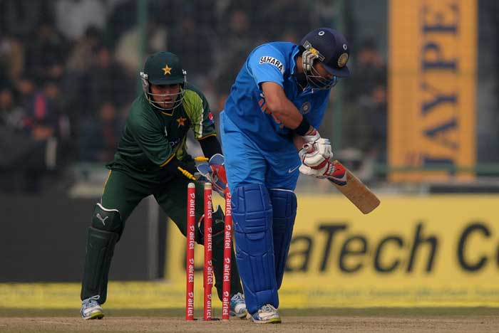 India pip Pakistan in a thrilling final contest