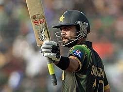 World Twenty20: Ahmed Shehzad helps Pakistan thrash Bangladesh
