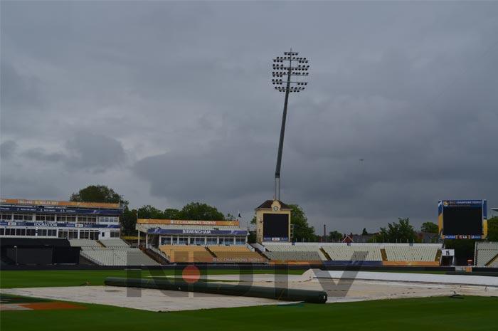 Rain forces Pakistan indoors at Edgbaston
