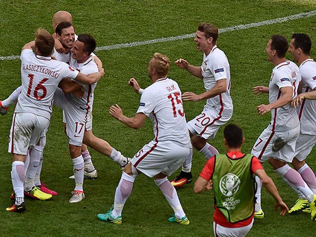 Euro 2016: Poland Enter Quarter-Final After Thrilling Win Over Switzerland