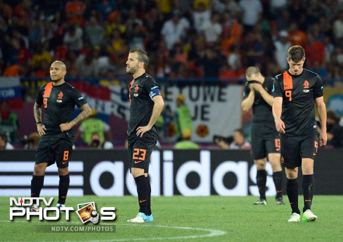 Euro 2012: Ronaldo brace knocks out Netherlands
