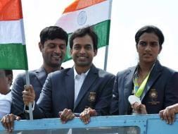 Photo : PV Sindhu, Coach Gopichand Receive Grand Welcome In Hyderabad