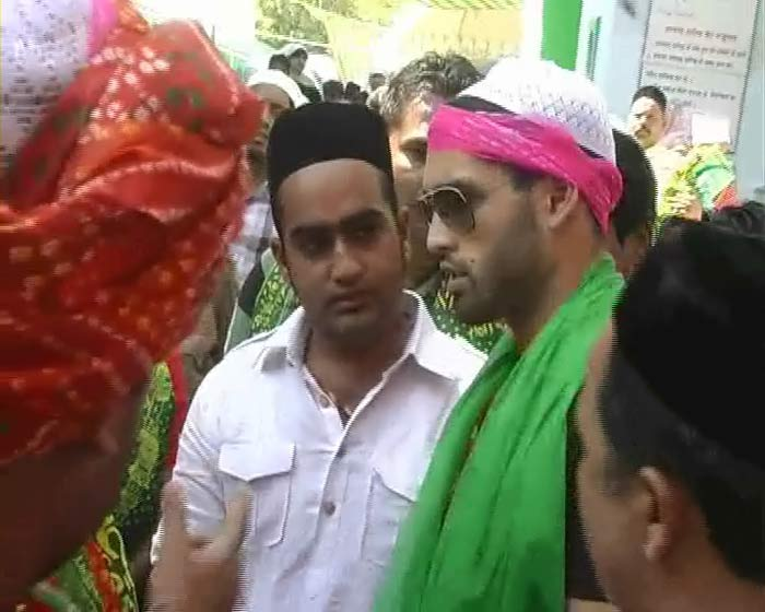 Siddhartha Mallya also at Ajmer Sharif