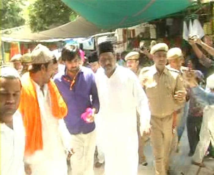 Zaheer, Kohli take RCB to Ajmer Sharif