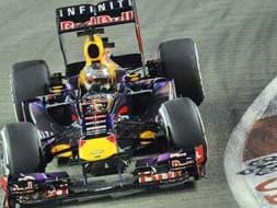 Photo : Singapore GP Qualifying session: Sebastian Vettel takes pole position