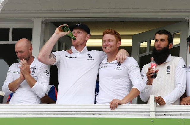 Ashes: England Regain Urn After Crushing Innings Victory