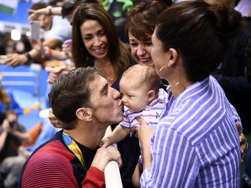 Photo : Rio 2016: Sealed With A Kiss as Michael Phelps Makes It 21 Golds