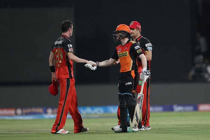 विराट कोहली और डिविलियर्स की तूफानी पारी के आगे हारा हैदराबाद