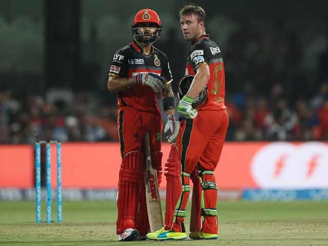 Photo : विराट कोहली और डिविलियर्स की तूफानी पारी के आगे हारा हैदराबाद
