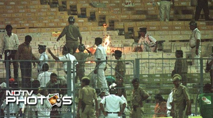 Sachin's run out causes a riot at Eden