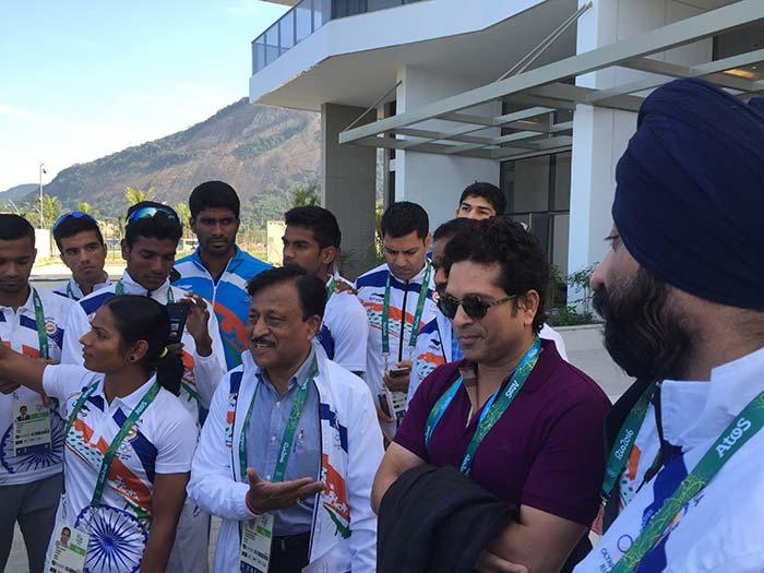 ओलिंपिक विलेज में खिलाड़ियों से मिले गुडविल एंबैसडर सचिन
