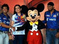 Photo : Sachin, Harbhajan's day out with Mickey Mouse