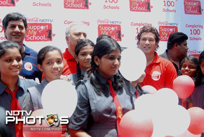Sachin Tendulkar at Support My School campaign