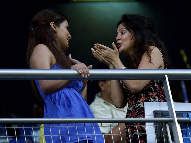 IPL BFFs? Sakshi Dhoni catches up with Geeta Basra