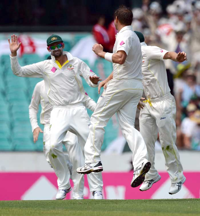 The Ashes: England skittled in 1st innings as Australia eye 5-0 at Sydney