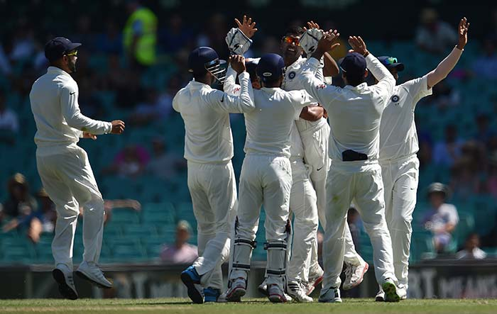 Ashwin Takes Four but India in for Record Chase in SCG
