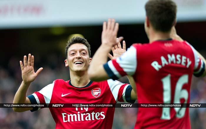 Arsenal, Chelsea record wins, Manchester United settle for a draw