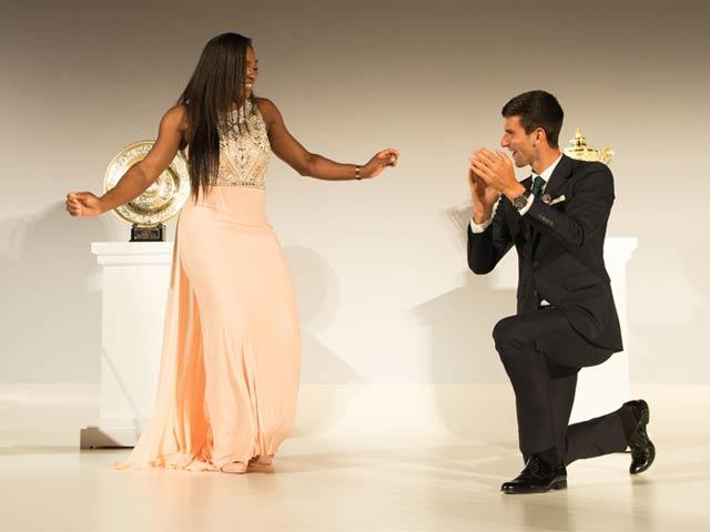 Photo : Wimbledon: Serena Williams Dances to Novak Djokovic's 'Tunes'