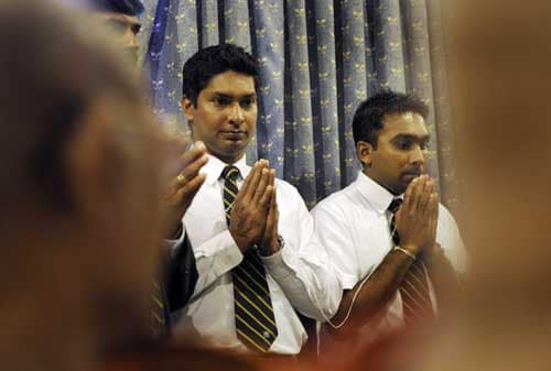 Sri Lankans leave for T20 WC