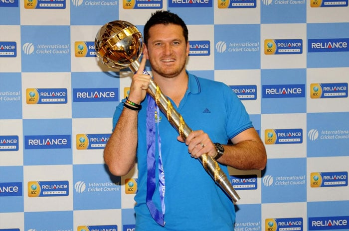 Graeme Smith presented with ICC Test mace