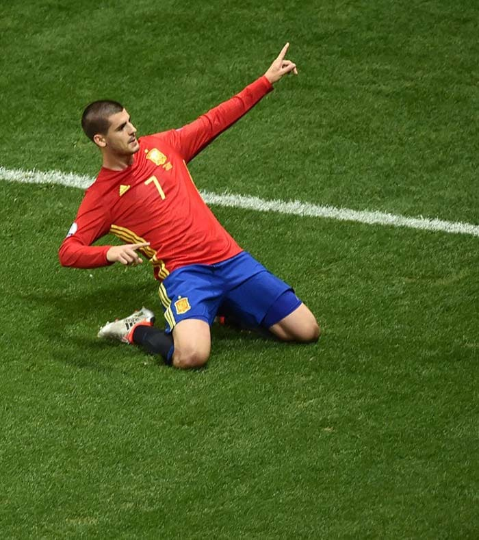 Euro 2016: Spain Outclass Turkey To March Into Last 16
