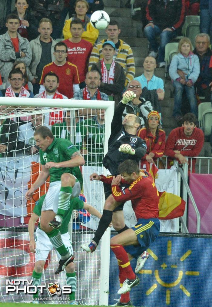 Spain hammer Ireland