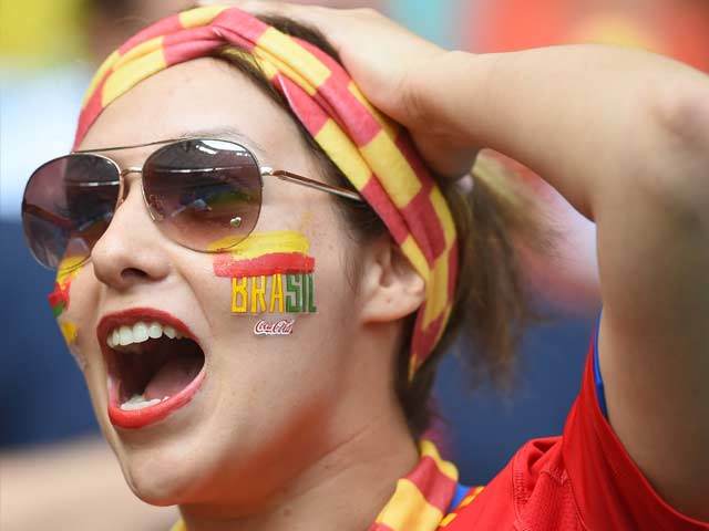 Photo : Armada Sinks: Spanish Fans Crushed After Ouster